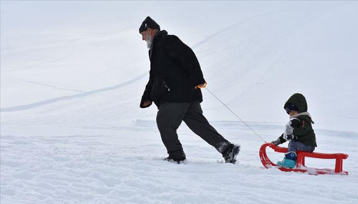 Van'da kar yüzünden eğitime ara