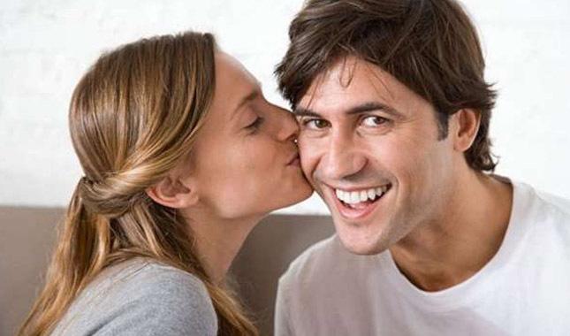 Yanaktan öpmek orucu bozar mı