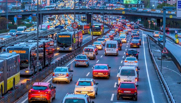 Yarı yıl tatil bitti, İstanbul'da trafik çilesi başladı
