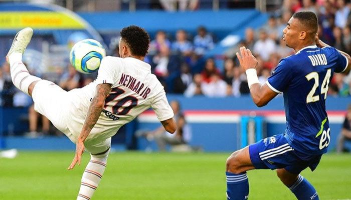 Yuhalanan Neymar PSG'yi kurtardı