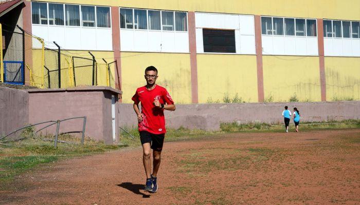 Her gün 20 kilometre koşarak olimpiyata hazırlanıyor