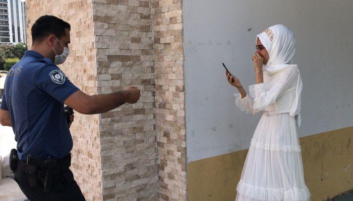 Adana'da ailesinin zorla evlendirmek istediği iddia edilen genç kızı polis kurtardı