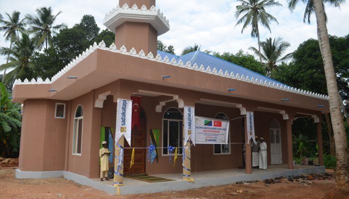 Tanzanya'da Sultan Abdülhamit Han Camisi ibadete açıldı