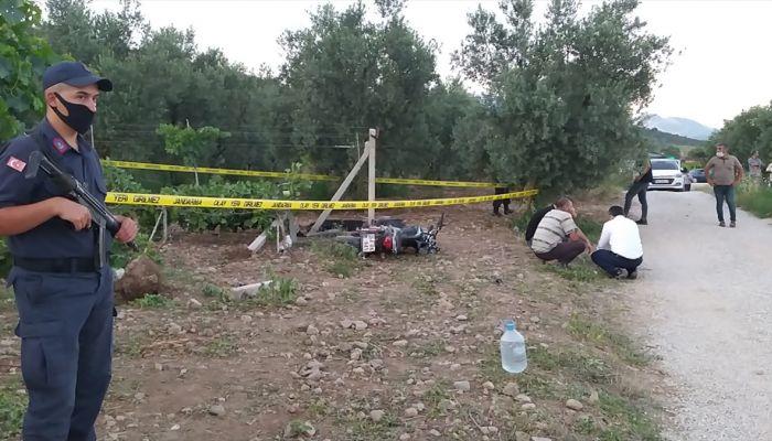 Sakarya'da motosikletiyle bağ direğine çarpan genç hayatını kaybetti