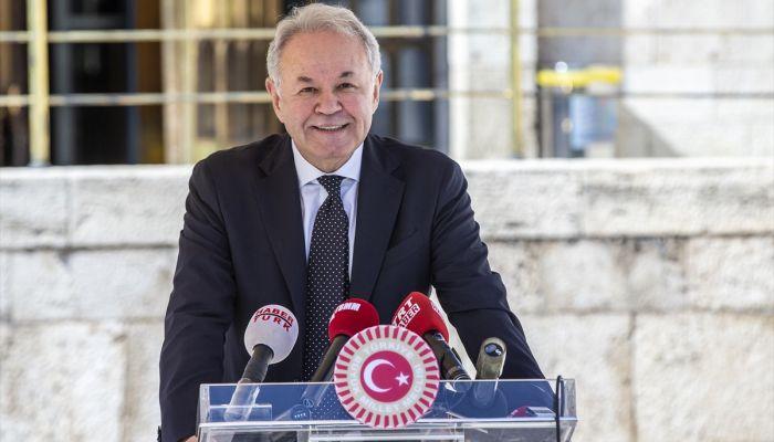 İYİ Partili Sezgin'den barolara ilişkin düzenlemeye tepki: