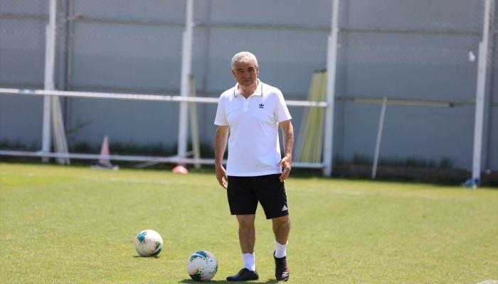 """Sivasspor Teknik Direktörü Rıza Çalımbay: """"Hatadan döneceklerine inanıyorum"""""""