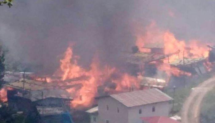Artvin'de bir köyde yangın çıktı