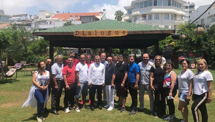 Karate Federasyonu Başkanı Esat Delihasan, ziyaretlerini sürdürüyor