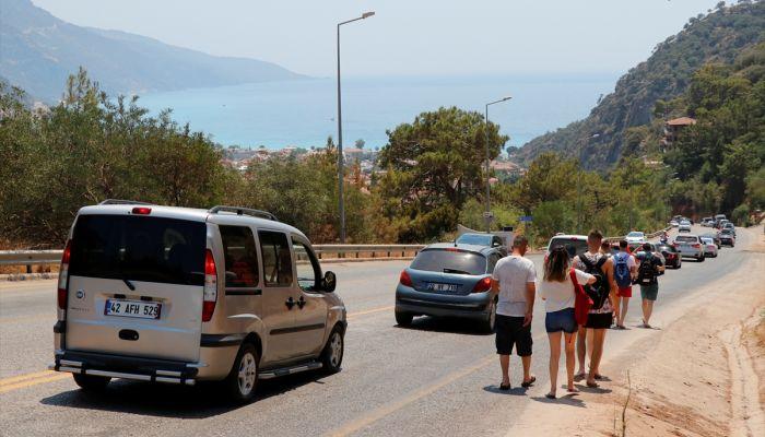 Muğla'nın turizm merkezlerinde sahiller ve trafikte yoğunluk yaşanıyor