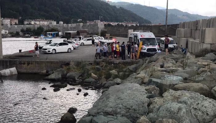 Kastamonu açıklarında devrilen katamarandaki kişi balıkçılar tarafından kurtarıldı