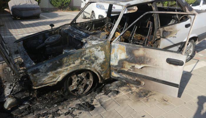 Adana'da otomobil yangını