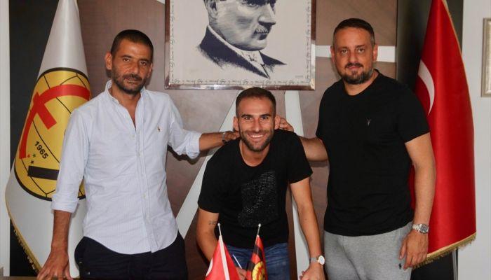 Eskişehirspor, Onur Bayramoğlu ve Hasan Ulaş Uygur'la sözleşme yeniledi