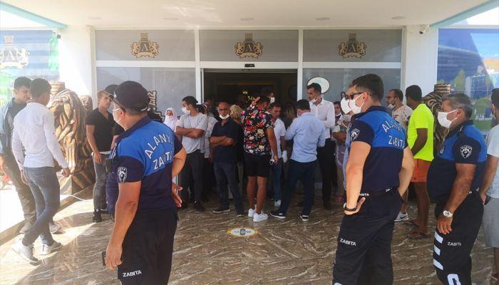 Alanya'da işletme ruhsatı olmadığı iddia edilen otel mühürlendi
