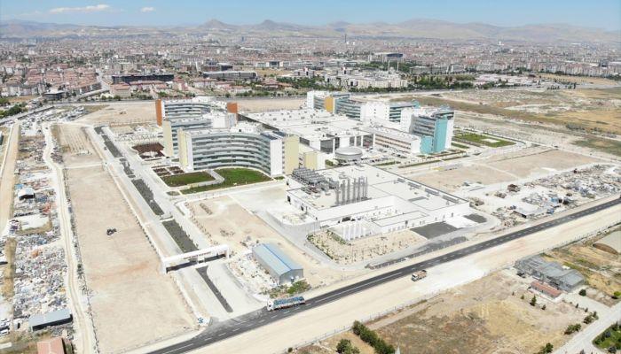 """Sağlık Bakanı Koca: """"Konya Şehir Hastanesi tüm branşlarda hasta kabulüne ay sonunda başlayacak"""""""