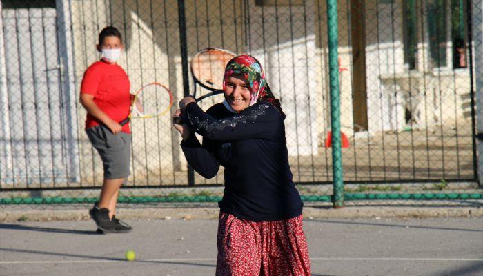 Mersin'de Yörük çocukları için 1300 rakımdaki yaylaya tenis kortu