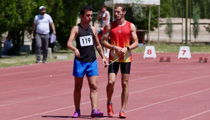 Görme engelli atlet, koşu bandında başlayan serüveninde madalyaya doymuyor