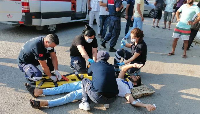 Antalya'da otomobil ile minibüs çarpıştı: 1 ölü, 1 yaralı