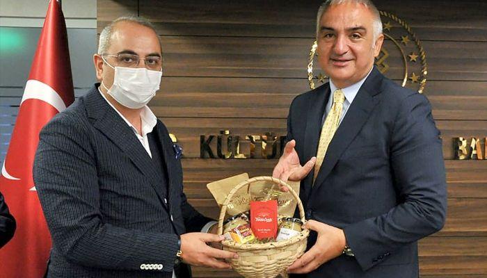 """Kültür ve Turizm Bakanı Ersoy'dan """"gastronomi turizmi"""" mesajı:"""