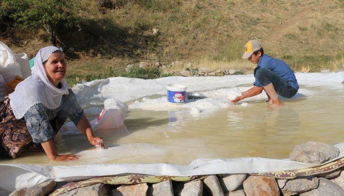 Siirt'te üretilen kaya tuzu köylülerin geçim kaynağı oldu
