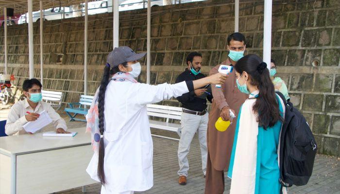 """Pakistan'daki Maarif Okullarında yüz yüze eğitim """"yeni normal"""" ile tekrar başladı"""