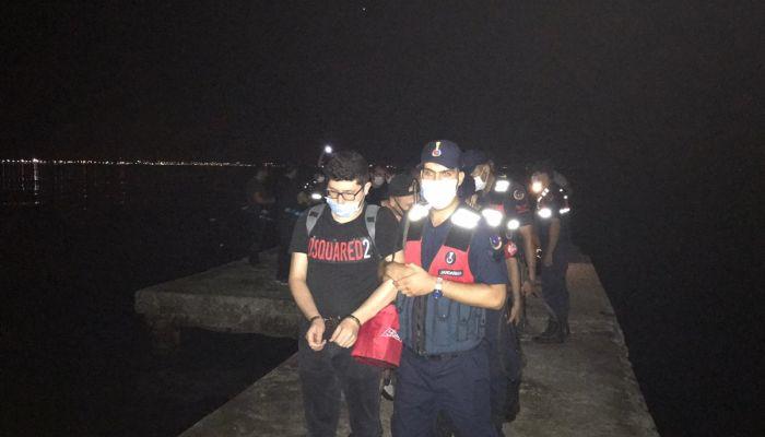 Sürat teknesiyle Yunanistan'a kaçmaya çalışan FETÖ şüphelileri yakalandı