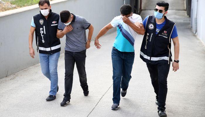 Adana'da sahte parayla cep telefonu alan 2 şüpheli tutuklandı