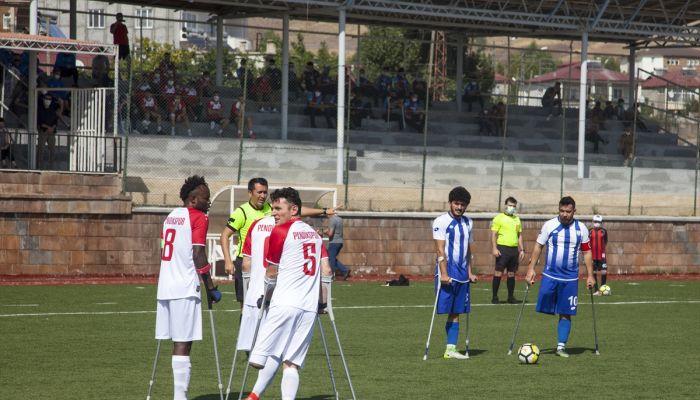 Ampute Futbol Türkiye Kupası müsabakaları Bitlis'te başladı