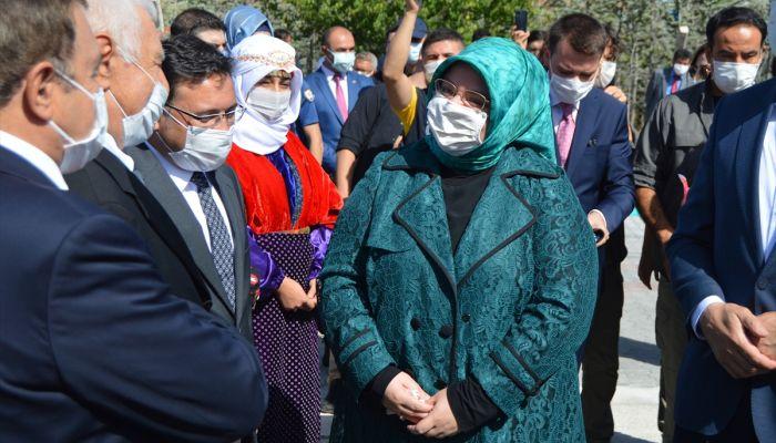 Bakan Zehra Zümrüt Selçuk, Afyonkarahisar'da huzurevi açılışında konuştu: