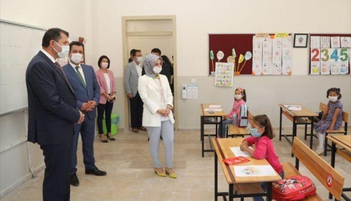 Sivas'ta 15 köy okulu kütüphaneye kavuştu
