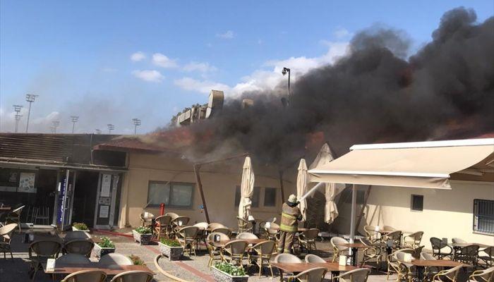 İzmir'de kafede çıkan yangın hasara neden oldu