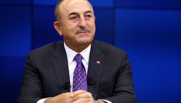 """Bakan Çavuşoğlu: """"(Macron'un) Azerbaycan toprakları için endişe duymazken, Ermenistan'a dayanışma göstermesi işgali desteklemesi anlamına gelir"""""""