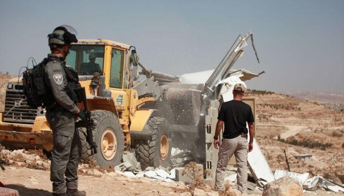 İsrail güçleri Batı Şeria'da Filistinlilere ait 7 evi yıktı