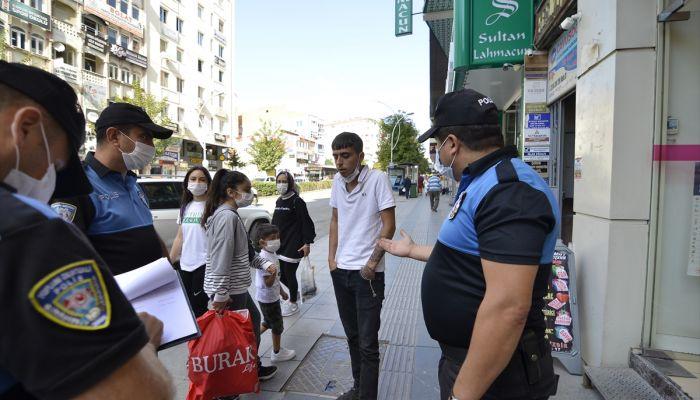 Çorum'da maske takmayıp polise direnen kişiye 392 lira ceza kesildi