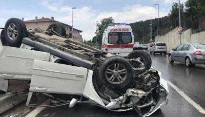 Maltepe'de otomobil takla attı!