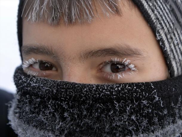 Okul yolunda kirpik donduran soğuklar A24
