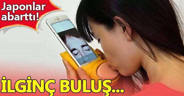 Japonlar telefondan öpüşmeyi keşfetti