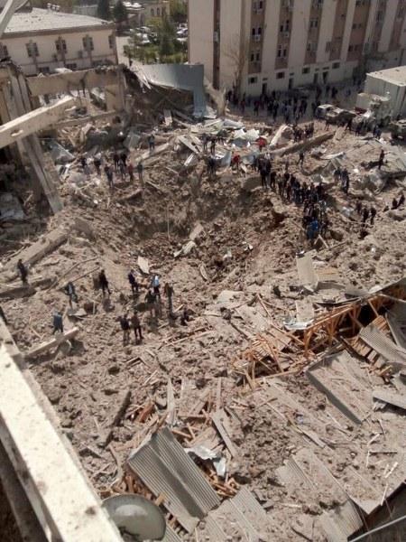 Diyarbakır'daki patlamadan ilk görüntüler A24