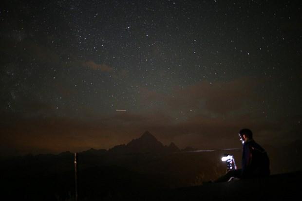Perseid Meteor Yağmuru izleyenleri büyüledi...