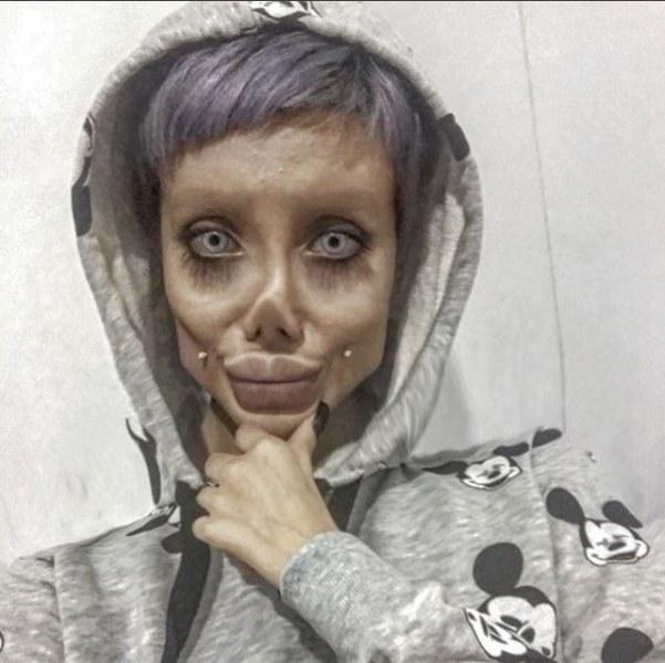 Dünya gündemine oturan Instagram fenomeni genç kadın makyaj yaparak mı böyle görünüyor? A24