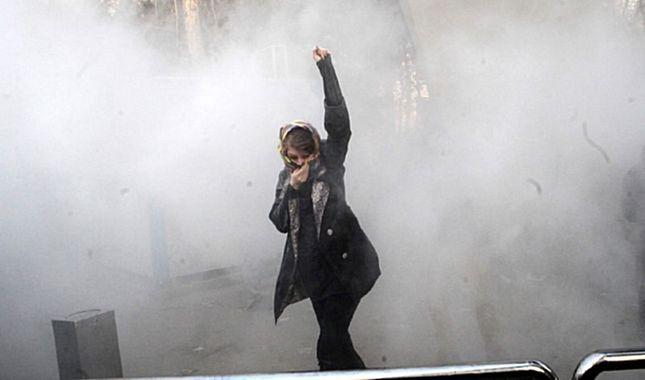 İran'da gösterilerin 7'inci gününde rejim yanlıları sokakta A24