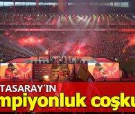 21. Defa Şampiyonluk ipini göğüsleyen Galatasaray taraftarı ile Şampiyonluğu kutluyor