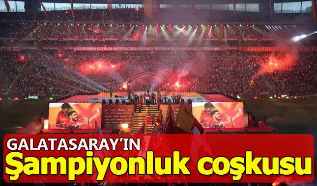 21. Defa Şampiyonluk ipini göğüsleyen Galatasaray taraftarı ile Şampiyonluğu kutluyor A24