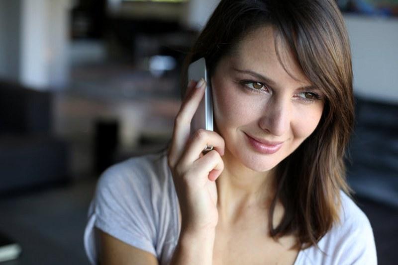 Uzmanlar uyarıyor: İki elle cep telefonu kullanmayın A24