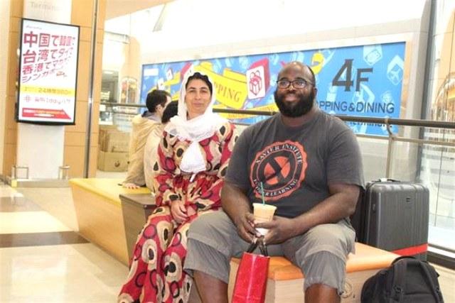 Şırnaklı çiftçi eşiyle birlikte dünyayı geziyor A24