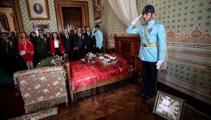 Dolmabahçe'de ziyaretçi rekoru kırıldı A24